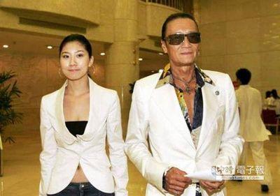 谢贤老爹找个比自己小49岁的女友coco