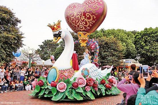 香港迪士尼门票涨价 被指理据不足