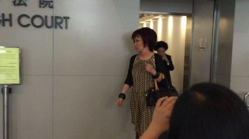 已故香港富豪林百欣遗孀及女儿被控藐视法庭