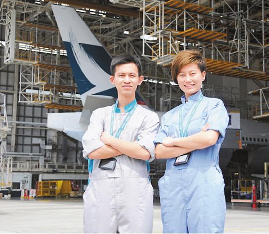 姐姐受弟弟启发立志成为香港女飞机维修员(图)