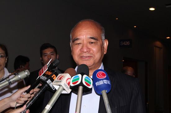 郑家纯看好零售前景预计香港楼价每年升10%