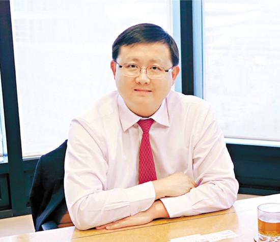 黄英豪遭香港廉政公署起诉辞任香港资源主席