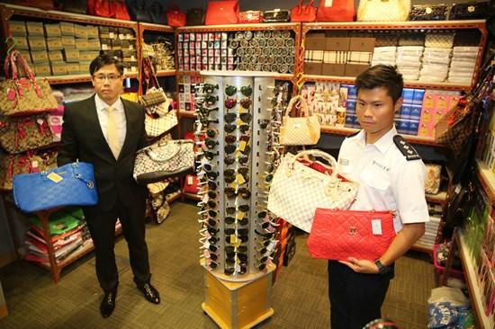 香港破近10年最大假货案涉LV、香奈儿等30余品牌