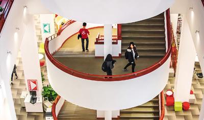 港中大(深圳)校园特色:国际化氛围书院制传统