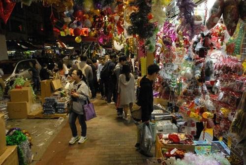 香港圣诞市道有喜有悲零售减价生意增(图)