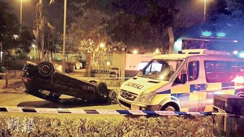 香港一通缉犯拒捕开车撞警警员拔枪戒备将其拘捕