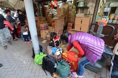 香港开展打击水货活动49人走私奶粉被捕(图)