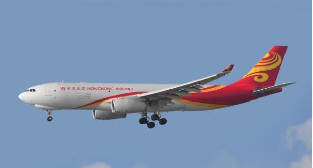 香港一载200余人客机因机舱冒烟折返 无人受伤