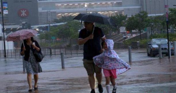 香港发出3号强风信号 幼儿园、伤残儿童学校停课