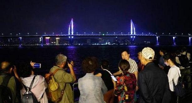 @所有人,港珠澳大桥今天通车!多份指南助你玩转!