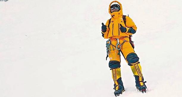 香港女教师花7年征服珠穆朗玛峰 称一切都值得