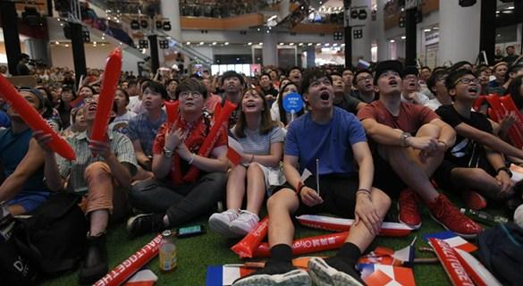 香港多个商场直播世界杯决赛 球迷带动商户营业额