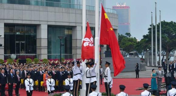 香港《国歌法》草案23日立法会首读 市民挺立法