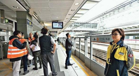 港铁电缆故障2天暂停5小时 70班接驳巴士疏导旅客