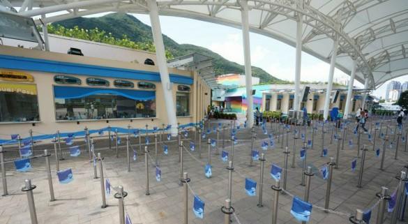 """访港团客大减 香港酒店""""空房对明月""""商家减价救市"""