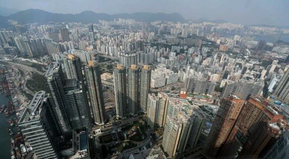 多名港府官员网志:特区政府投入资源改善民生促经济