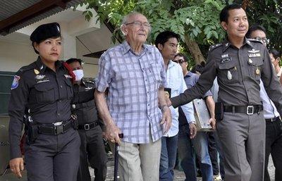 先峰强奸幼女_澳90岁老翁涉强奸4名泰国幼女 或获刑20年(图)
