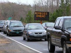 美高速路电子信息屏遭篡改 路人被警告小心僵尸