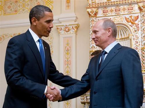奥巴马接受普京邀请将访俄 承诺改善两国关系