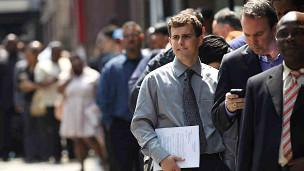美国职业研究网站23日公布美国职业排名:精算师最佳 报社记者垫底
