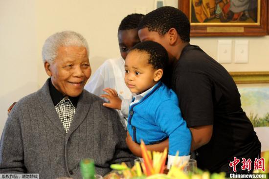 南非前总统曼德拉肺部感染复发 再次入院治疗[2013-06-08]