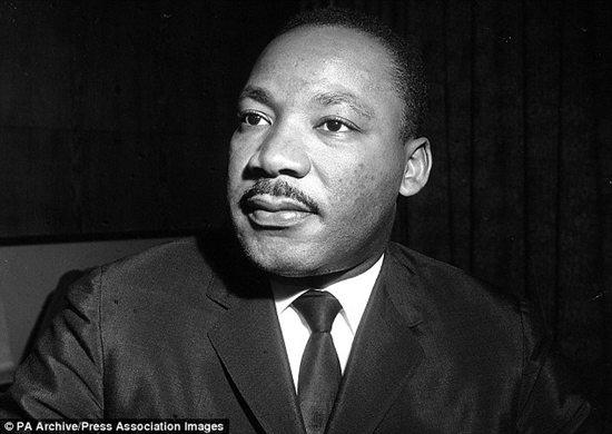 美国黑人民权�9b�_美国民权运动黑人领袖马丁·路德·金.