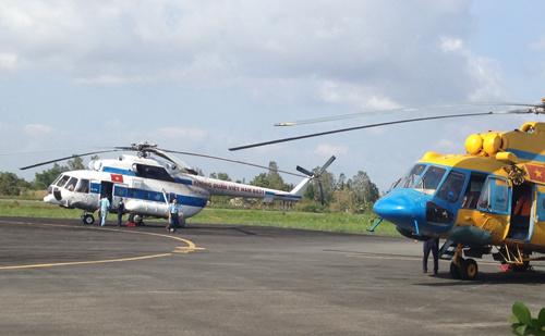 米171直升飞机正待命起飞.(图片摄影:丁传)