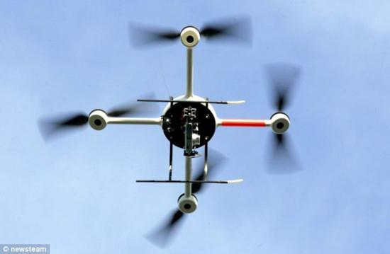 英窃贼通过改装遥控飞机来偷盗大麻;