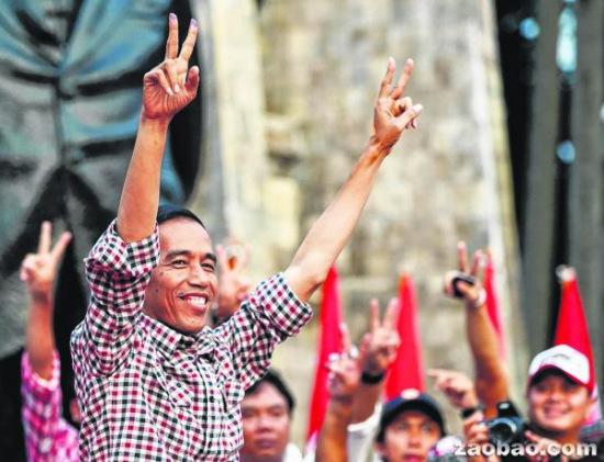 印尼总统选举民调结果现明显分歧 公信力遭质疑