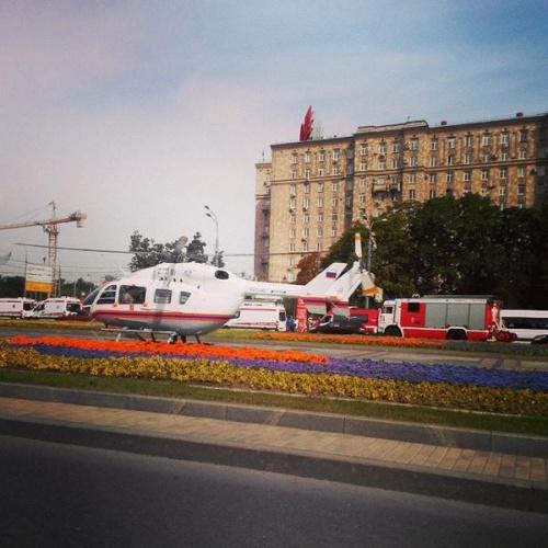 莫斯科地铁发生脱轨事故 直升机赴现场救援(图)