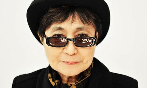 列侬遗孀小野洋子赴广岛 与民众折纸鹤祈祷和平