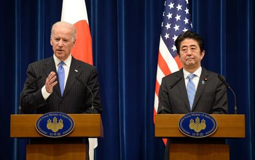 安倍与美副总统拜登通话 探讨乌克兰和朝鲜问题