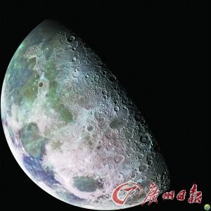 圆圆的月亮像玉盘