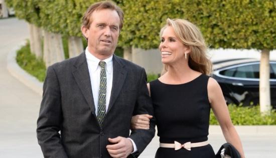 美国政坛豪门小罗伯特·肯尼迪和好莱坞女星成婚