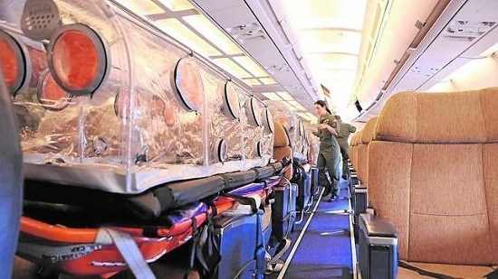 西班牙两名埃博拉患者搭乘空军专机回国(图)