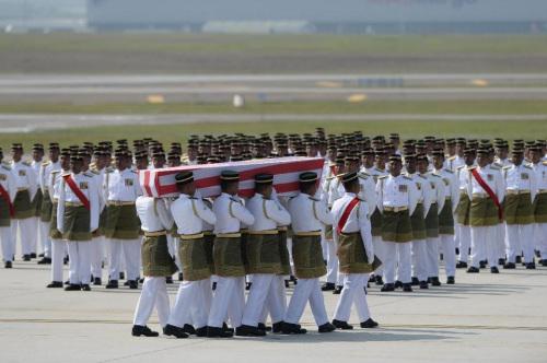 荷兰再确认2名马来西亚籍MH17遇难者身份(图)