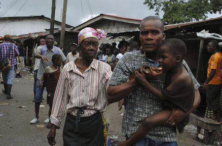 """西非医护人员称埃博拉""""有特殊气味"""" 令人压抑"""