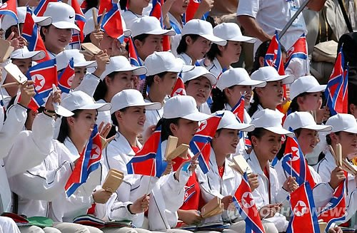 韩称朝美女拉拉队有政治目的