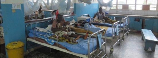遭遇埃博拉:医生和护士仓皇逃离 气氛压抑沮丧