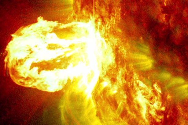强太阳风暴将经过地球 应不会产生太大影响(图)图片