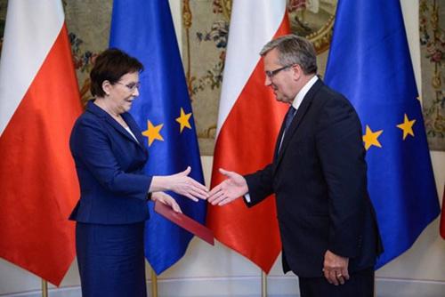 波兰新总统宣誓就职系波兰史上第二个女性总理
