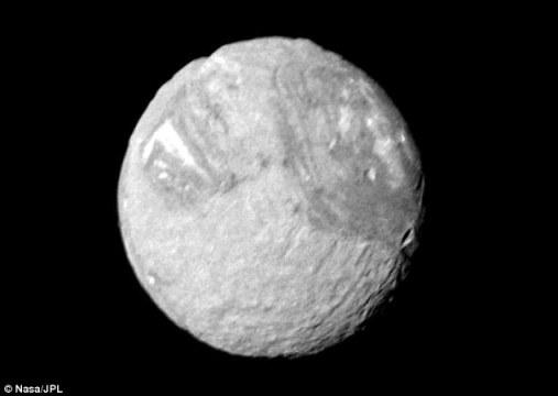 天王星卫星表面现神秘大峡谷潮汐现象是主因