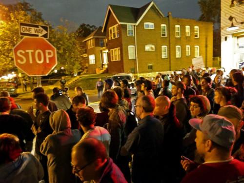 美圣路易斯市再发枪击案警察向黑人青年开17枪