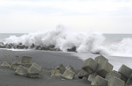超强台风登陆日本南部数万人避难44人受伤(图)