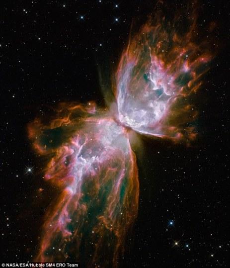 """西澳大利亚大学研究称暗物质""""缩水"""" 欧洲太空总署拍摄恒星死亡奇观"""