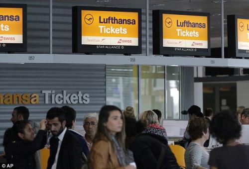 德国汉莎航空公司罢工2天影响逾20万名乘客(图)