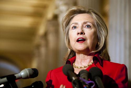 美媒:希拉里频繁参加助选活动不寻常 正蓄力反击
