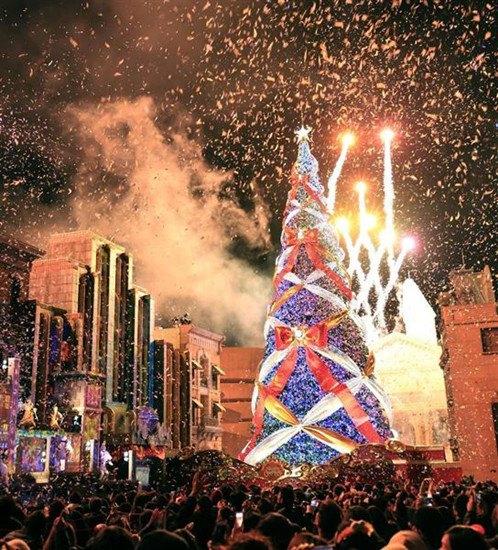 大阪圣诞树装饰逾36万只彩灯 刷新世界纪录(图)
