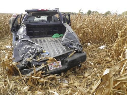 婚礼变葬礼:超速引发车祸 新郎死亡新娘重伤