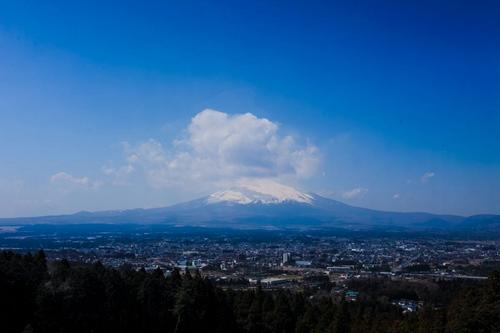 日本制定富士山登山人数指标 吸引外国游客赴日